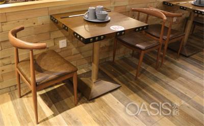 咖啡厅桌椅批发要注意什么
